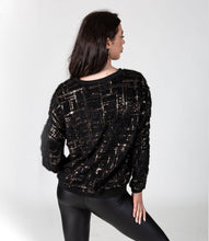 Load image into Gallery viewer, Fluffy Sequin Jumper