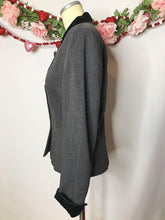 Load image into Gallery viewer, True Vintage Gray 1940s Suit Jacket/Womens Blazer with Black Velvet Collar and Cuffs