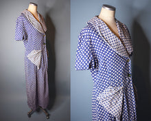 Load image into Gallery viewer, Vintage 1940s Floral Cotton Robe, LARGE