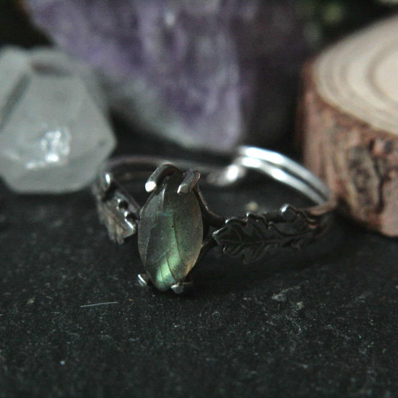 Size S 1/4 Labradorite Ring with Oak Leaves (US 9.25) - Andune Jewellery