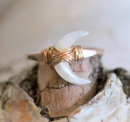 Moonbeam Ring - Mother of Pearl (gold fill)