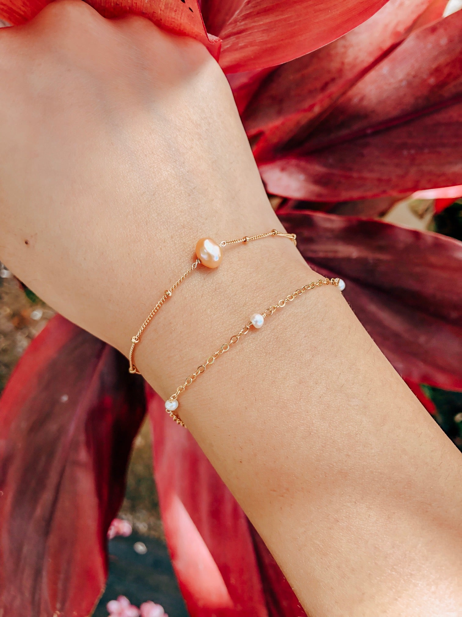 Limited time offer *Bundle* Solitarie Pink Pearl Bracelet + White freshwater pearl Bracelet