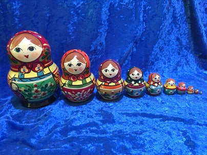10 Piece Zagorsk Pot Belly with Red Scarf and Green Apron
