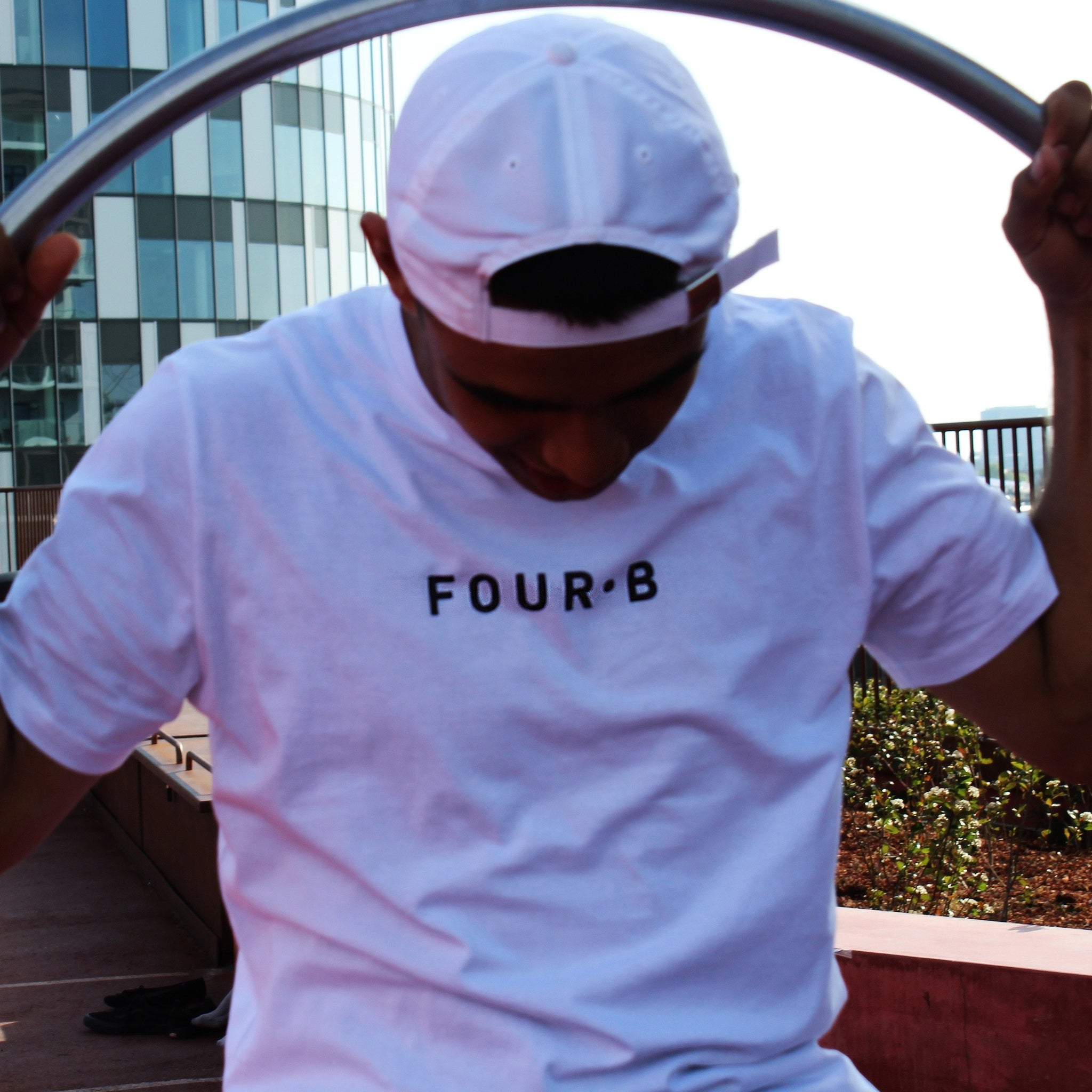 WHITE FOUR·B T-SHIRT