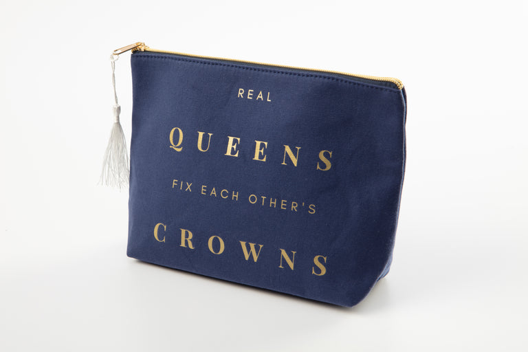 Charlotte & Emerson Mama Says - Real Queens Fix Each Others Crowns