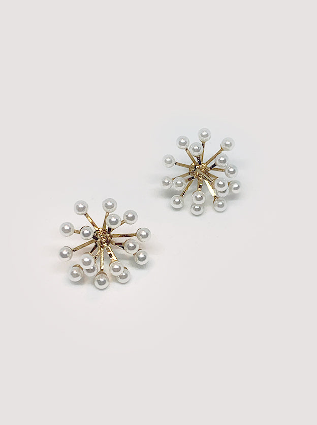 Clustered Daisy Pearl Earrings