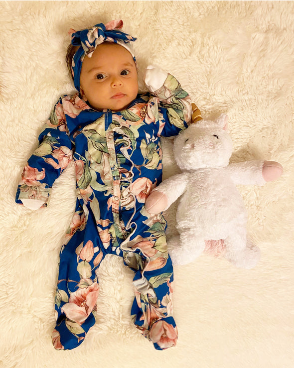 long sleeve footed onesie || blue floral