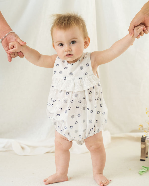 Organicline baby romper. GOTS certified organic cotton. Baby clothing. Baby girl romper.