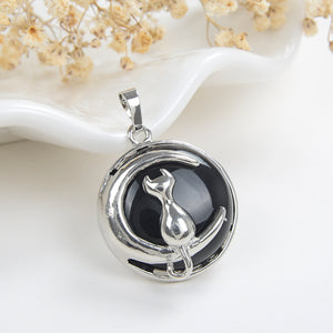 Gemstone Round Pendant Cat-On-The-Moon Silver Plated Design, PND4201XX