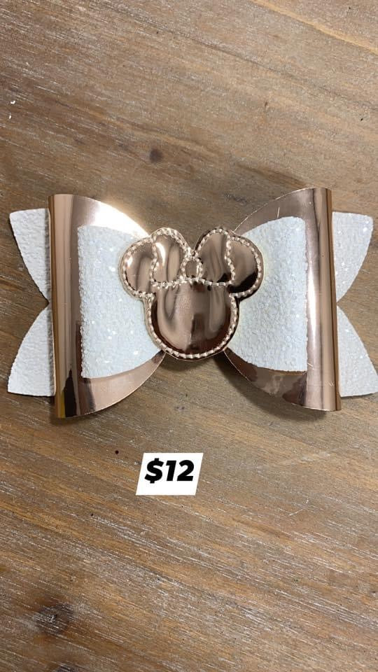 Large Gold Minnie Mouse
