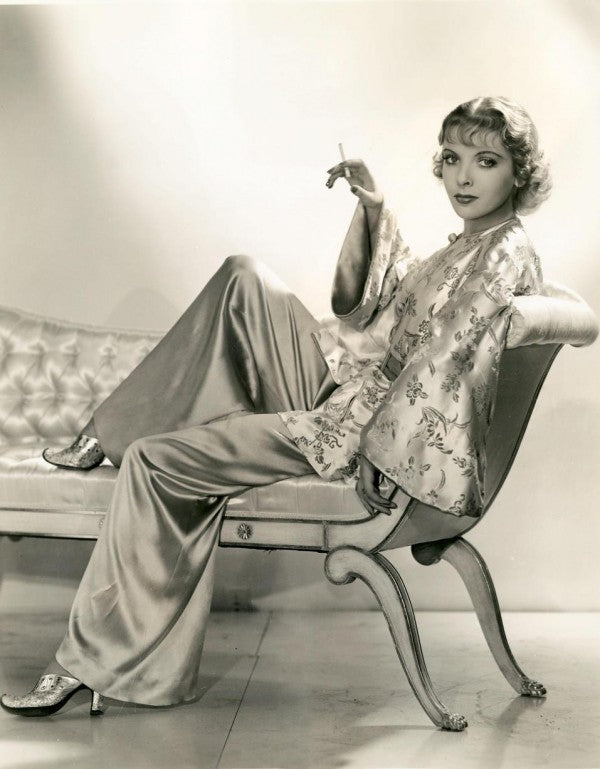 The glamorous Ms. Lupino shows us how to wear pajamas.