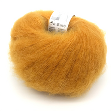 Laden Sie das Bild in den Galerie-Viewer, Super Kid Silk Farbe 40 - Mayflower  | ca. 195 m / 25 g | 76 % Mohair, 24 % Seide