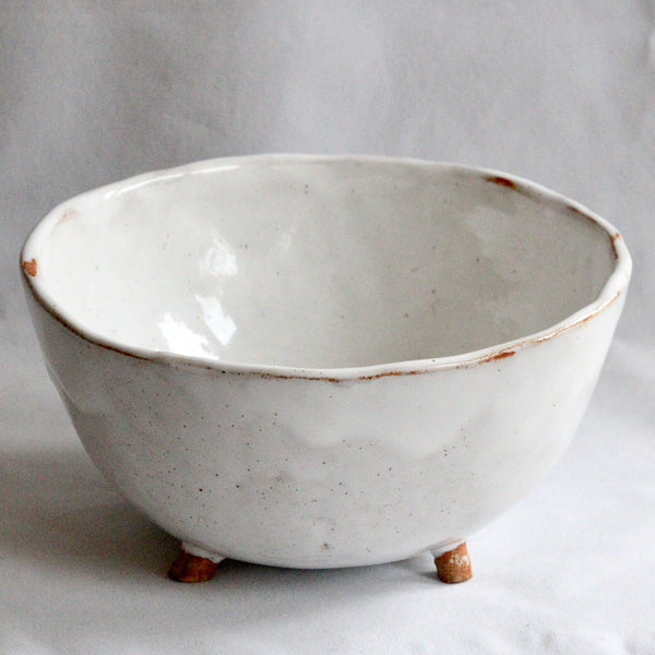 Bowl with Feet | White Speckle