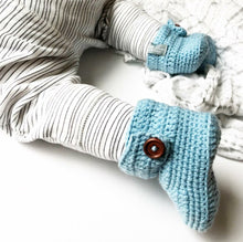 Load image into Gallery viewer, Crochet Baby High Top Booties in Blue