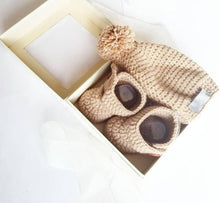Load image into Gallery viewer, High Top Crochet Baby Bootie & Hat Gift Set in Sand