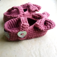 Load image into Gallery viewer, Crochet Mary Jane Booties in Plum Purple
