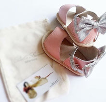 Load image into Gallery viewer, Leather Sandals in Pink with Glitter Bow (Infant/Toddler/Little Kid)