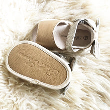 Load image into Gallery viewer, Leather Sandals in Brown with Glitter Bow (Infant/Toddler/Little Kid)