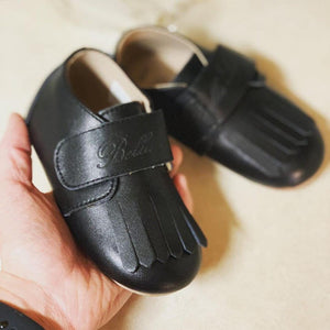 Leather Loafer in Black (Toddler/Little Kid)
