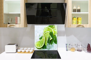 Glass kitchen splashback – Glass upstand BS09 Water splash Series: Lime Ice Cubes