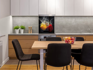 Glass kitchen splashback – Glass upstand BS09 Water splash Series: Peppers In Water 3