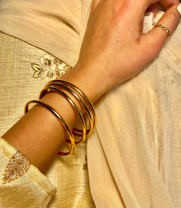 Women's Minimal Golden Bangle (4-piece)