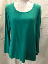 Load image into Gallery viewer, Willow Bay Size L Green Shirt