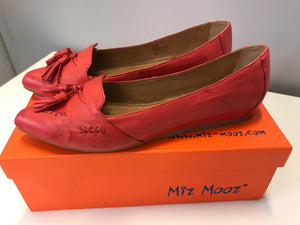 8.5 Miz Mooz Bubbly Red Flats NEW