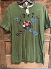 Load image into Gallery viewer, Men's American Eagle Size L Green T-Shirt