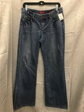 Load image into Gallery viewer, Size 10 Seven 7 Jeans boot cut