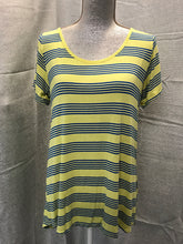 Load image into Gallery viewer, LuLaRoe Size M Yellow T-Shirt