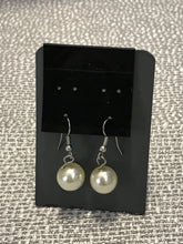 Load image into Gallery viewer, Pearl Dangle Earrings