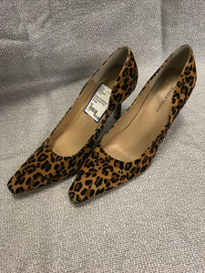 Karen Scott Size 10 Animal Print Shoes