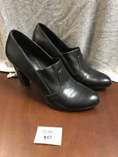 Franco Sarto Size 10 Black Dress Shoes