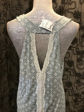 Load image into Gallery viewer, Daisy Fuentes Size XL Gray Tank Top