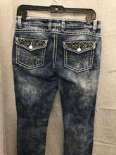 Load image into Gallery viewer, Size 5 Revolution Jeans