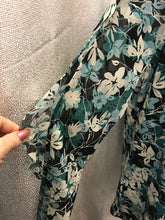 Load image into Gallery viewer, Charter Club Size L Floral Blouse
