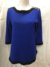 Load image into Gallery viewer, Cable & Gauge Size M Blue Sweater