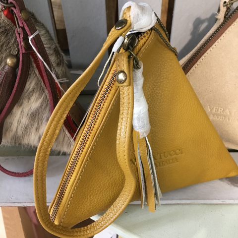 NEW Italian pretty mustard leather pyramid bag