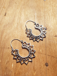 Mini Aster Earrings - Silver Plated Brass