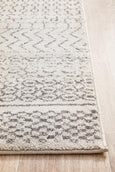 Yucatan Tribal Pattern Runner Rug in Monochrome
