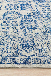 Salzburg Transitional Rug in Frost Blue and White