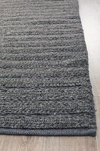 Meadow Braided Woollen Rug in Charcoal
