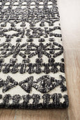 Avignon Oscar Transitional Rug in Ivory and Charcoal
