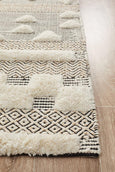 Rafiki Flow Ivory Tribal Patterned Rug