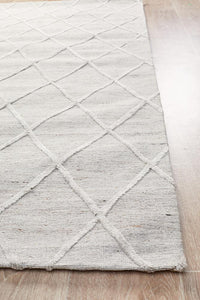 Alpine Hand Loomed Diamond Patterned Rug in Silver Grey