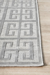 New York Art Deco Tessellate Rug in Silver