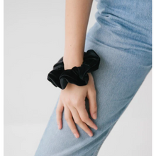 Load image into Gallery viewer, Sophie So Scrunchie Velvet