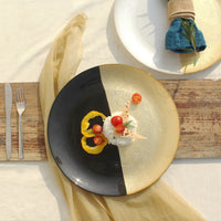 Exquisite ceramic plate available in two colours golden and black and white and golden perfect for both decorating as well as dining purposes