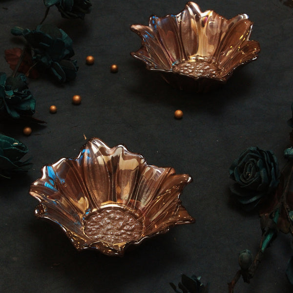 Set of 2 The Bloom of Luxury, a perfect serving bowl for any kind of hosting. Made by combining the Indian Clay, Quartz and Glass
